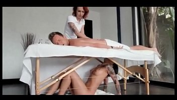 Мулатка минетит парню и трахается на массаже втайне от его девушки